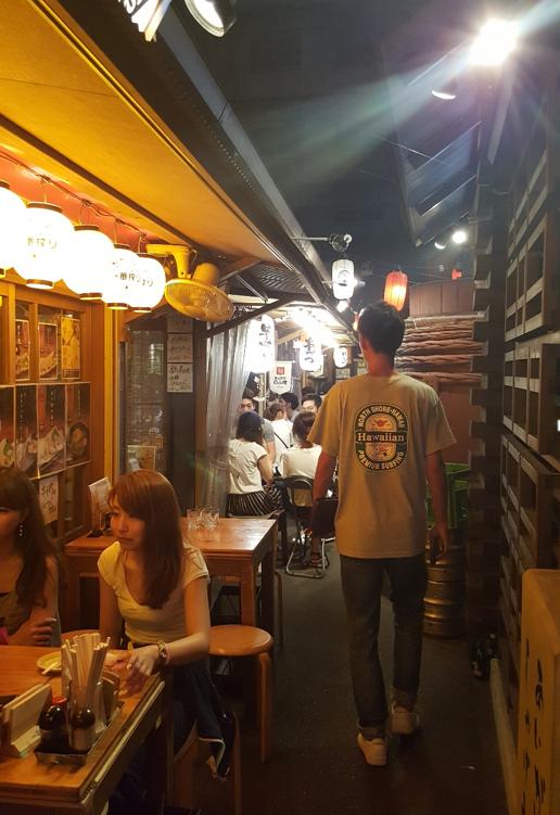 yutaimura small alley